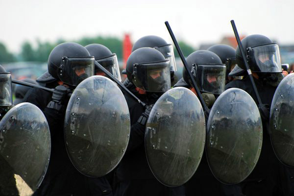 A training session in riot and crowd control by some units of the Belgian Army.