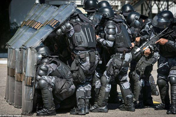 anti-riot police wearing anti-riot suit when chaos (1)